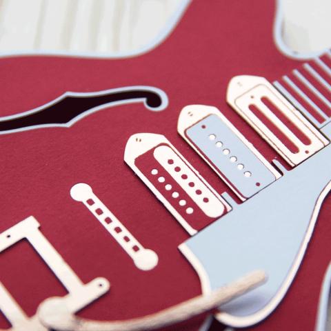 guitare papier rouge