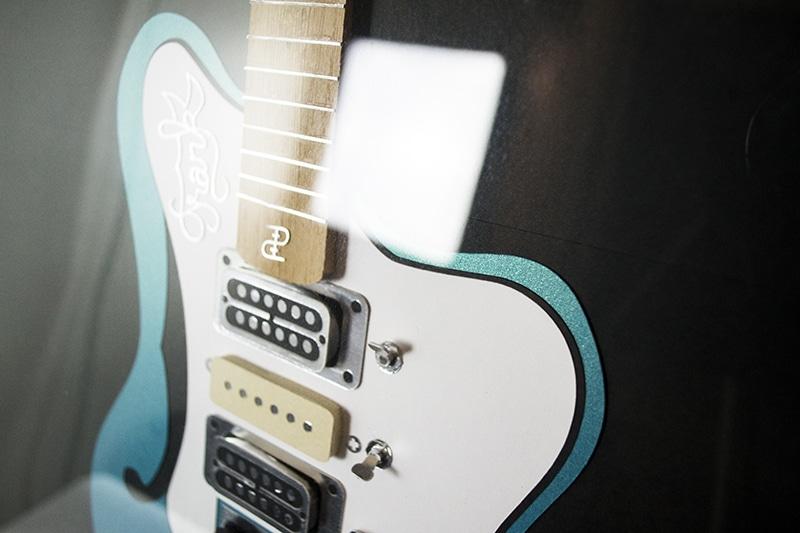 guitare papier rock